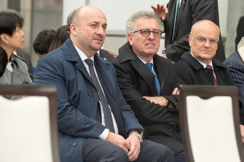 Étienne Schneider, Vice-Premier ministre, ministre de l'Économie; Pierre Gramegna, ministre des Finances et Gaston Stronck, secrétaire général, ministère des Affaires étrangères et européennes