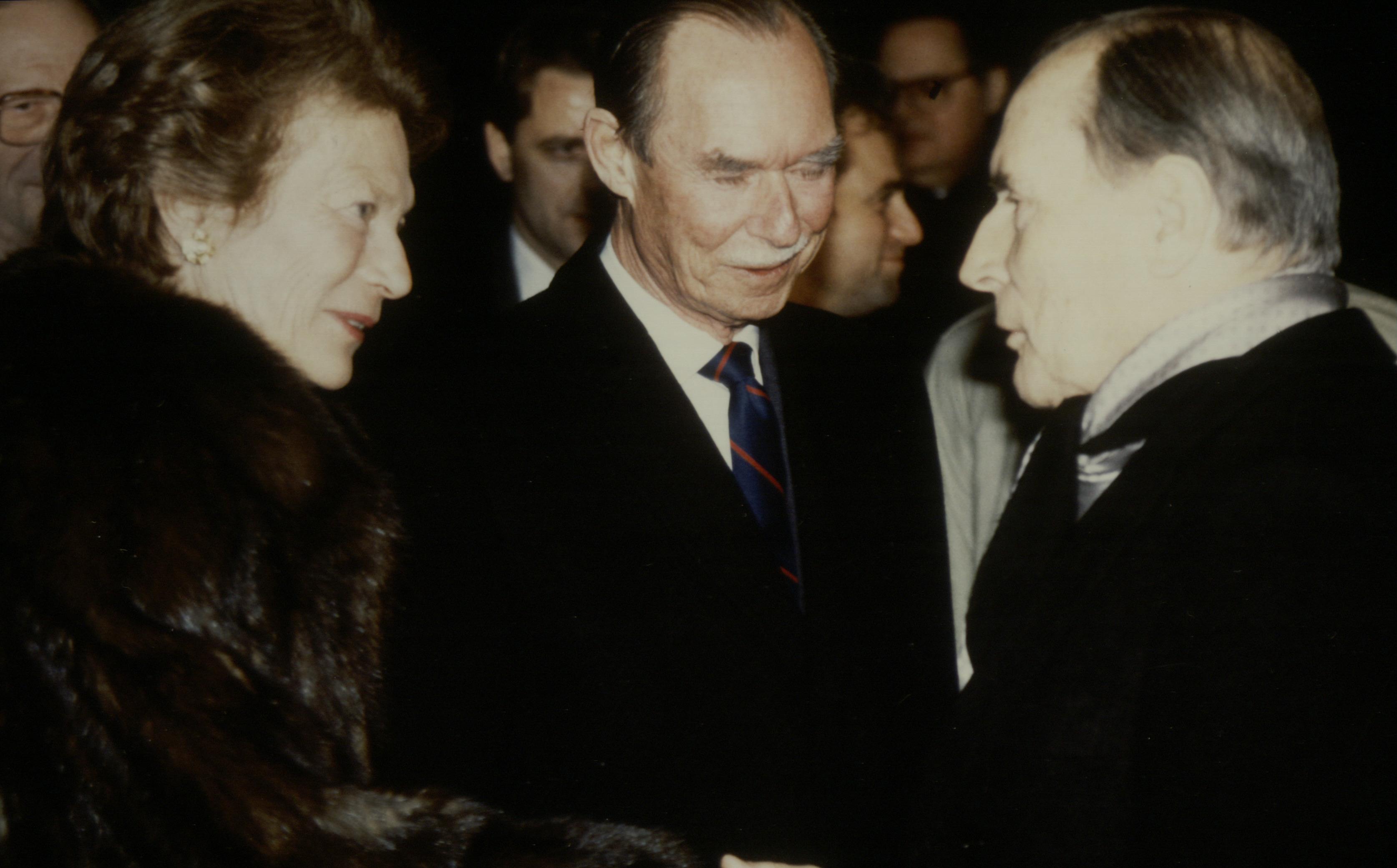Leurs Altesses Royales le Grand-Duc et la Grande-Duchesse prennent congé de Monsieur François Mitterrand, Président de la République Française. (Photo: Sip / archives)