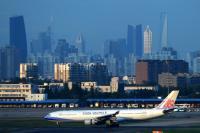 Tout comme le Findel, l'aéroport de Shanghai est certifié par l'Organisation mondiale de la santé (OMS) pour le transport et le stockage de produits pharmaceutiques et de santé.