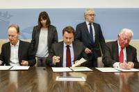 Thomas Rabbe, RTL Group, Xavier Bettel, Premier ministre et Jacques Santer.