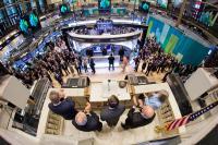 «La liberté de la presse contribue de manière positive à ce que les économistes appelleraient une 'bonne' volatilité des marchés boursiers», argumente le Professeur Thorsten Lehnert.