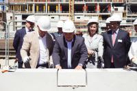 La pose de la première pierre du centre commercial à la Cloche d'Or a eu lieu en présence des acteurs du projet et de représentants politiques.