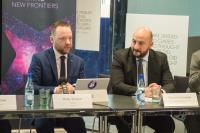 Andy Bowyer, CEO de Kleos Space, et Étienne Schneider, ministre de l'Économie