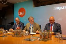 Le président du LSAP, Claude Haagen, le président de fraction, Alex Bodry, et le député, Marc Angel.