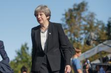 Theresa May a entériné mardi les contours du Brexit, promulgué par une loi.
