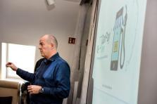 Frédéric Stiernon, fondateur et CEO de CarPay-Diem, va passer six mois dans l'incubateur du constructeur allemand.