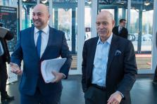 Étienne Schneider, le ministre de l'Économie, et Jeremy Rifkin