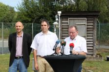 (De g. à dr.) Marc Weyland, directeur de l'Administration des services techniques de l'agriculture (Asta), Dr Andrew Ferrone, chef du service météorologique de l'Asta, et Fernand Etgen, ministre de l'Agriculture.