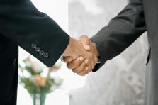 Le compromis trouvé entre partenaires sociaux devrait avoir d'importantes répercussions sur le secteur bancaire.