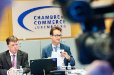 Luc Henzig (à gauche) et Carlo Thelen, directeur formation et directeur de la Chambre de commerce, veulent faire de leur institution un pôle fédérateur des offres de formation continue au Luxembourg.