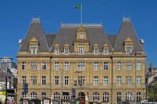 C'est en 2017 que le groupe Post a déménagé de son siège historique du centre-ville pour un bâtiment ultramoderne, rue Mercier dans le quartier Gare. Celui-ci n'est toutefois que provisoire.
