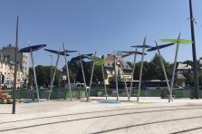 Cette installation est une oeuvre de l'artiste liégeois Michel Leonardi.