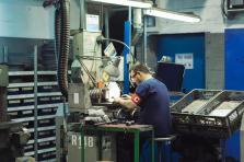 Il en coûtera 787.800 euros au Fonds pour l'emploi pour financer l'ensemble des mesures de chômage partiel, et près de 2 millions d'euros pour le soutien à la formation dans le cadre de «Digital Skills Bridge», précise le communiqué du ministère de l'Économie.
