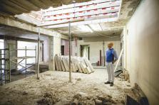 Vincent Bechet sur le chantier du futur siège d'Inowai au 52, route d'Esch. L'entreprise investira sa nouvelle adresse en décembre prochain.