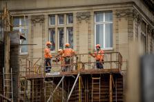 Outre l'abandon de la flexibilisation, l'accord trouvé permet notamment une hausse des salaires réels de 2% et une revalorisation du salaire tarifaire de 2,4% sur trois ans.