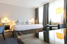 Pour obtenir ce nouveau grade, Le Royal a procédé au changement d'une centaine de lits. Le luxueux hôtel propose aussi désormais un menu oreiller pour ses clients.