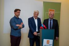 Marc Spautz, président du parti (à droite de Claude Wiseler), et Laurent Zeimet (à sa gauche), secrétaire général, ont notamment été confortés dans leurs fonctions.