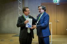 KYC3 a été récompensée en 2016 par le premier Flagship Award à destination d'une start-up.