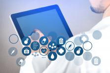 Pour aboutir à un diagnostic, l'IA va comparer les données introduites par le patient à celles d'autres hommes ou femmes au profil semblable.