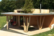 La Beschcrèche à Betzdorf, qui a reçu deux prix d'architecture, est un des exemples-phares des constructions en bois au Luxembourg.