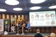 «Pour encourager les femmes à se lancer dans l'entrepreneuriat, la clé est l'éducation», a notamment expliqué Marina Andrieu (au centre) lors de la table ronde.