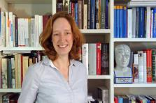 Selon la chercheuse Marian Van Der Meulen, les facteurs qui influencent la perception de la douleur peuvent être psychologiques ou encore cognitifs.