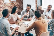 Pour les 30-39 ans, les femmes, les managers et les salariés avec enfants, la priorité est de se sentir «intellectuellement challengé» dans son travail.