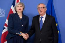 Theresa May aurait formulé plusieurs propositions afin d'obtenir une base légale qui satisferait le Parlement britannique.