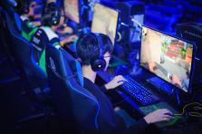 Le partage jusqu'alors incontesté entre Youtube et Twitch sur le marché de l'e-sport pourrait être mis à mal par l'arrivée de nouveaux acteurs asiatiques tels que Huya ou Douyu.