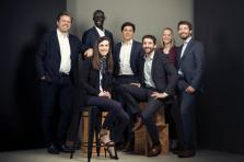 L'équipe d'HACA Partners composée de Cyril Cayez, Ibra Ndiaye, Marc Bussutil, Hélène Dethise, Jean-François Quevrain (de gauche à droite), Sophie Dewaele et Saïd Hadji (assis).