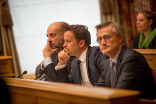Étienne Schneider, Xavier Bettel, Félix Braz et les délégations de leurs partis respectifs ont entamé les négociations en vue de définir une nouvelle coalition.
