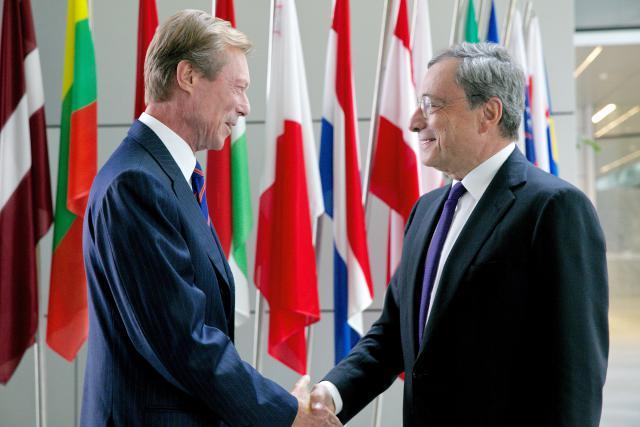 Son Altesse Royale le Grand-Duc est accueilli par le président de la BCE, Monsieur Mario Draghi