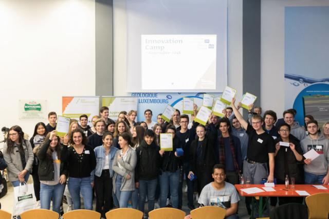 50 élèves de 10 lycées ont participé au Innovation Camp et ont tenté de trouver des idées et solutions innovantes au Business Challenge.