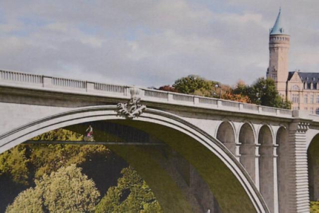 passerelle pour cycliste sous le pont Adolphe
