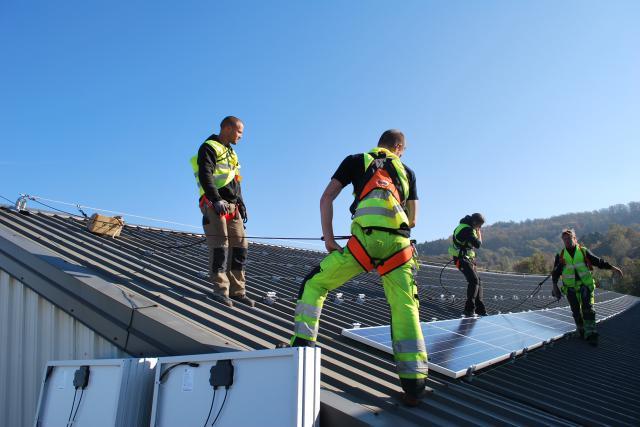 Du fait de la taille du pays, la très grande majorité des centrales solaires du Luxembourg se trouve sur les toits.