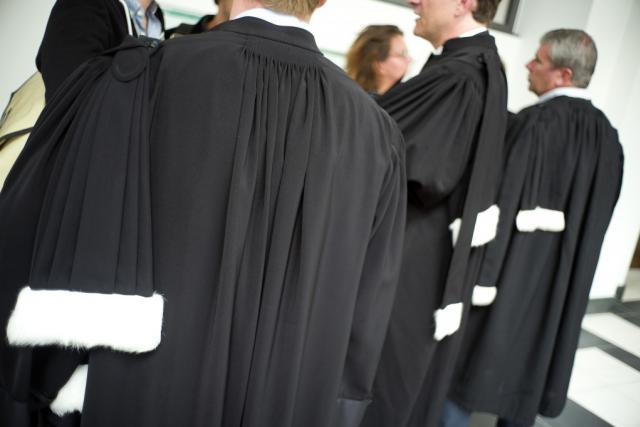 L'accusé devra également verser 10.000 euros à la victime et un euro symbolique à ses parents. Il a un moins pour se pourvoir en cassation.
