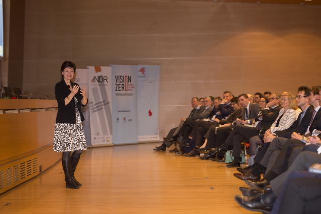 Kate Raworth est économiste. Pour elle, l'économie du 21e siècle s'apparente à un donut, symbole de l'économie circulaire.
