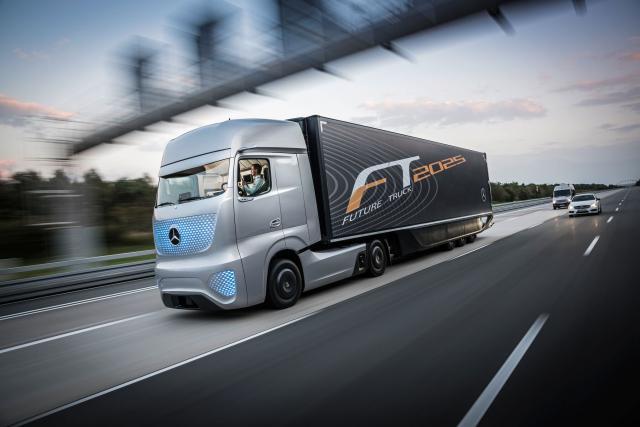 La révolution du camion autonome générerait une réduction des coûts de l'ordre de 30%, soit une économie annuelle supérieure à 30000 euros par véhicule selon une étude du cabinet PwC.
