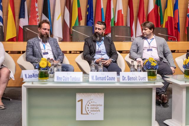 Bernard Coune, Benoît Duez et Ivan Jacobs sont intervenus lors du 10ème anniversaire de l'Enterprise Europe Network.