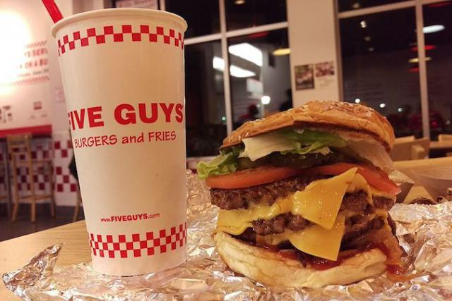 15 ingrédients à combiner pour le même prix, c'est ce qui a fait le succès de Five Guys.
