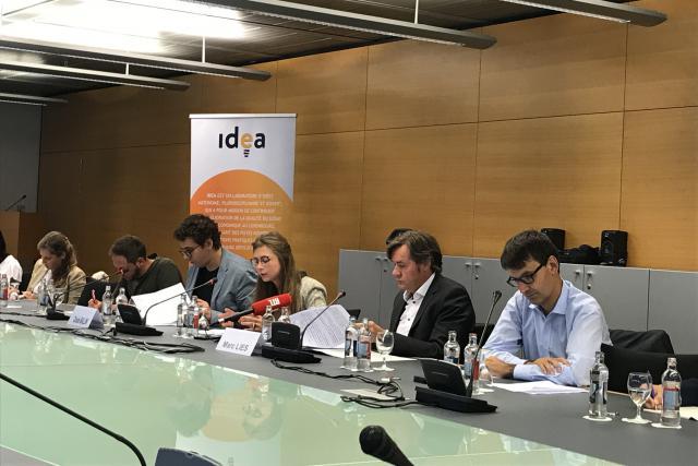 Claude Ballini et Marc Lies ont débattu sur la question du logement à la Fondation Idea ce matin.