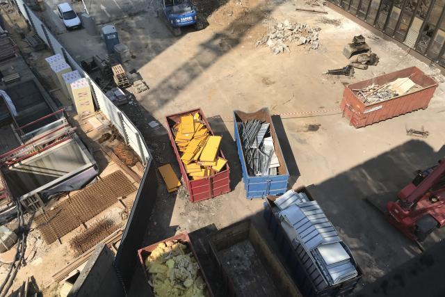 Sur le chantier, le tri entre les différents matériaux est fait.