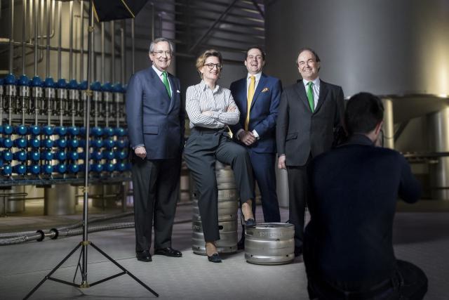 De gauche à droite: Georges M. Lentz Jr, Isabelle Lentz, son frère Mathias Lentz, et Frédéric de Radigues, le directeur général. Une famille de brasseurs nationaux.