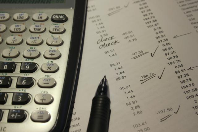 Les revenus issus des cryptomonnaies peuvent être qualifiés de commerciaux ou spéculatifs.