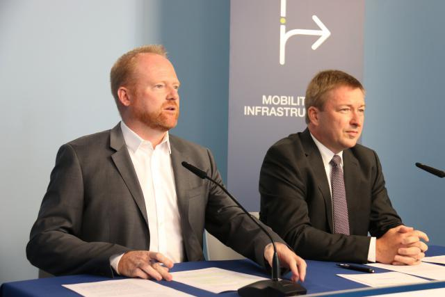 Claude Lamberty et Marc Hansen ont présenté le volet «Mobilité et infrastructures» du programme électoral du DP.