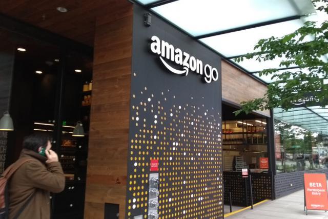 Selon Bloomberg, Amazon devrait prochainement accélérer son expansion dans le retail physique en proposant près de 3.000 magasins sans caisses d'ici 2021.