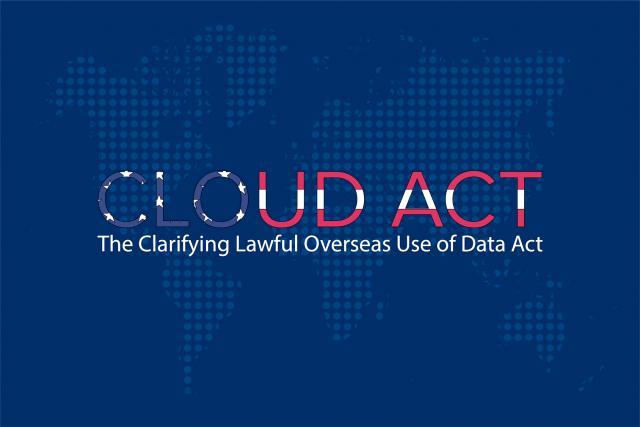 Cette réglementation donne carte blanche aux autorités fédérales pour réclamer les données personnelles collectées par les entreprises américaines aux États-Unis et dans le reste du monde.