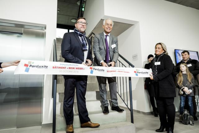 Tom Junger, le bourgmestre de Roeser, et Charles-Louis Ackermann, le CEO de la Poudrerie de Luxembourg