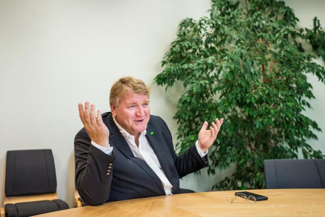 Selon Christian Kmiotek, co-président de Déi Gréng, les négociations de coalition ne devraient pas commencer avant la semaine prochaine, au retour de Xavier Bettel du sommet européen dédié au Brexit.