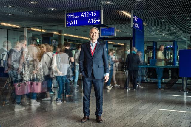 Arrivé en septembre 2016 en tant que directeur commercial de Lux-Airport, René Steinhaus en est désormais le CEO, avec pour ambition d'améliorer «la qualité et la fiabilité» des services proposés.